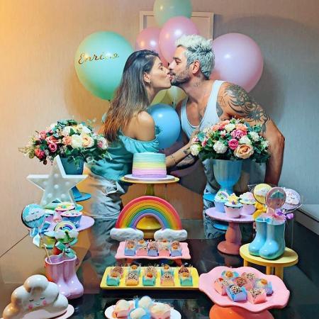 Franciele Almeida e Diego Grossi informaram, em chá revelação que terão um menino - Reprodução/Instagram