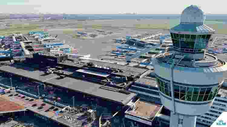 Aviões da KLM parados no aeroporto de Amsterdã - Divulgação - Divulgação