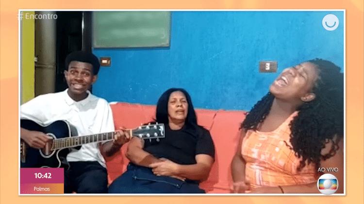 Irmãos Barbosa recriam meme do 'Para Nossa Alegria' oito anos depois - Reprodução/Globoplay - Reprodução/Globoplay