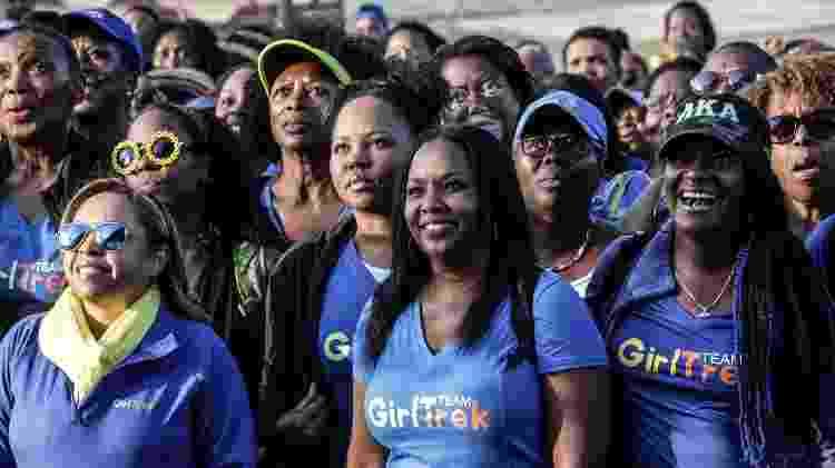 Mulheres durante caminha promovida pelo GirlTrek em Estes Park, Colorado - GirlTrek - GirlTrek