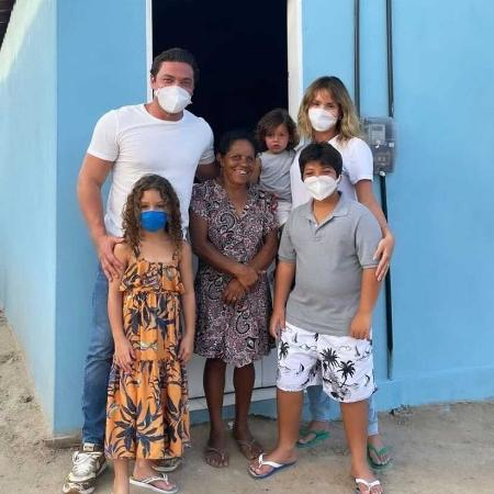 Wesley Safadão entrega casa para Dona Mimi - Reprodução/Instagram