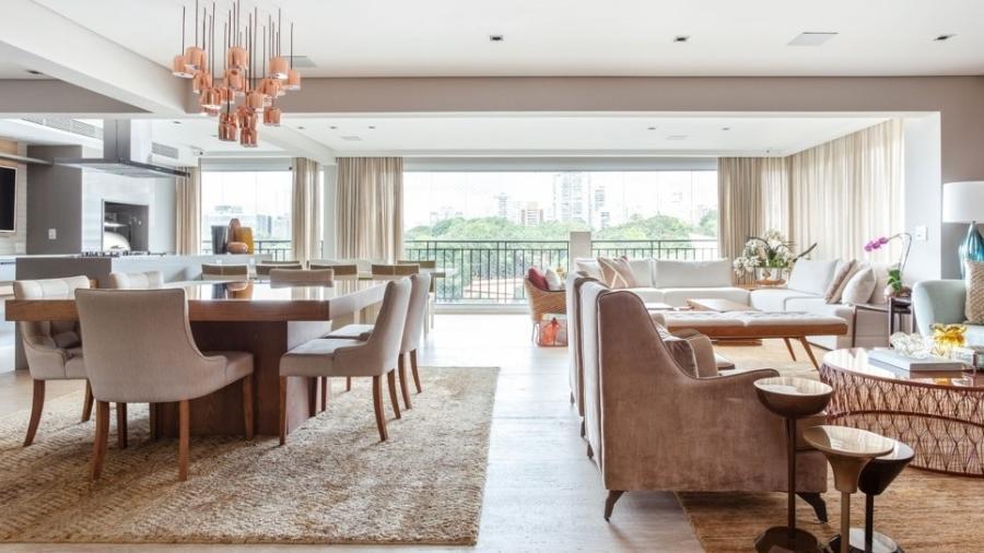 A busca pela integração de ambientes, no conceito aberto, é um dos principais motivos para reformas de apartamentos - Maura Mello