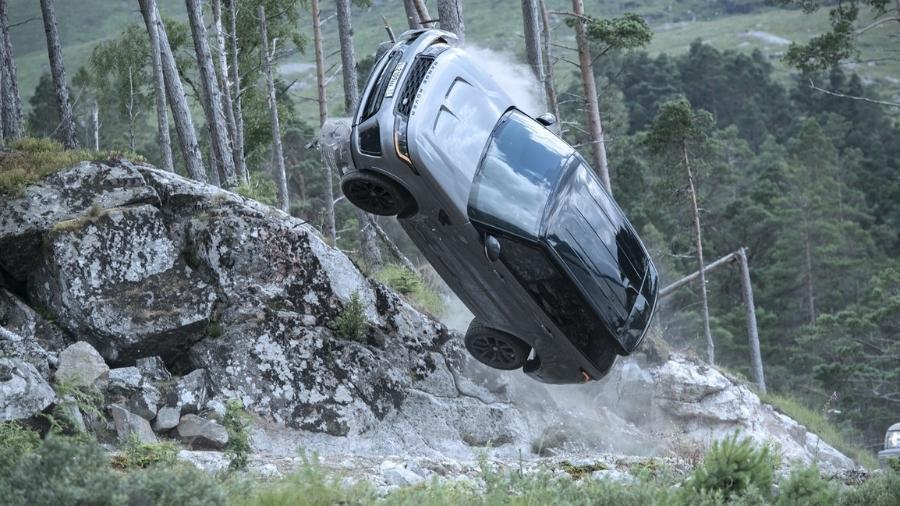 """Range Rover SVR é destruído em """"007 - Sem Tempo para Morrer""""  - Divulgação"""