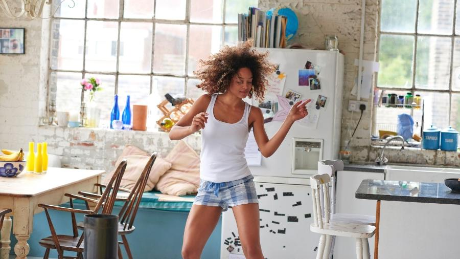 Na nossa sociedade, a mulher é sempre ligada à casa, filhos e casamento para existir socialmente - Getty Images
