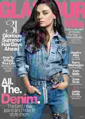 """Mila Kunis estampa a capa da edição de agosto da revista """"Glamour"""" - Reprodução/Glamour"""
