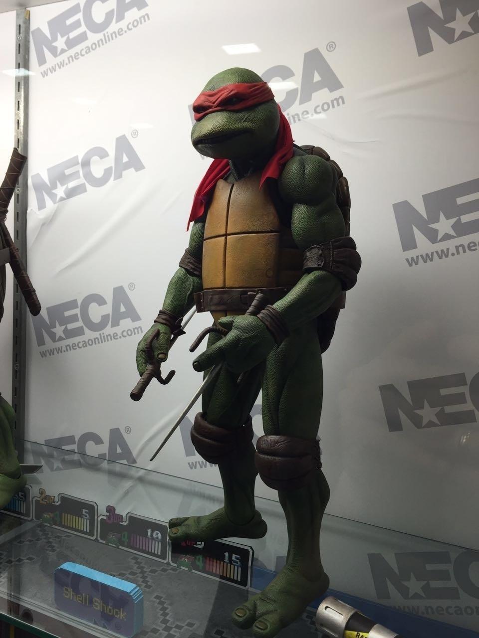 Esse boneco de Raphael está com cara de poucos amigos e é um dos produtos exibidos na San Diego Comic-Con 2016