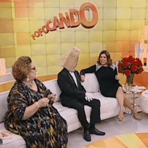 """""""Fofocando"""", do SBT, com Mamma Bruschetta, Mara, Leão Lobo e o """"Homem do Saco"""" - Reprodução/SBT"""