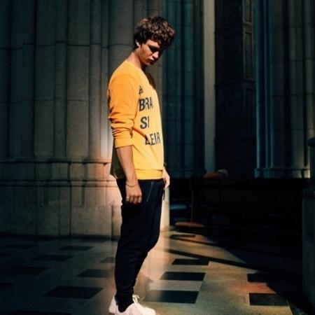 Ansel Elgort conhece a catedral da Sé - Reprodução/Instagram