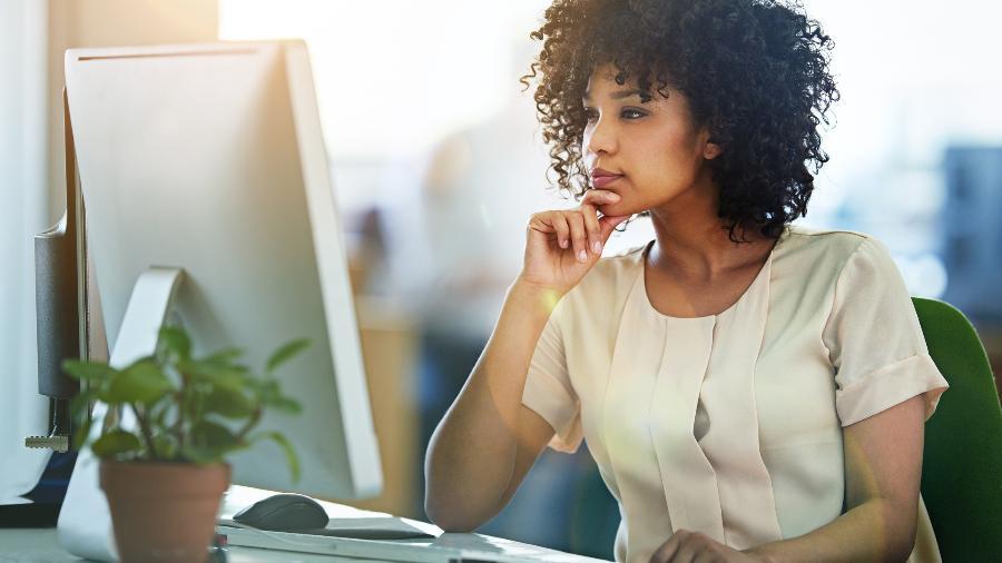 A diferença salarial entre homens e mulheres ainda é grande no Brasil - Getty Images