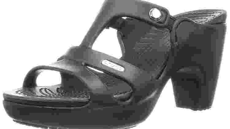 A versão de salto do clássico sapato Crocs - Reprodução/Amazon - Reprodução/Amazon