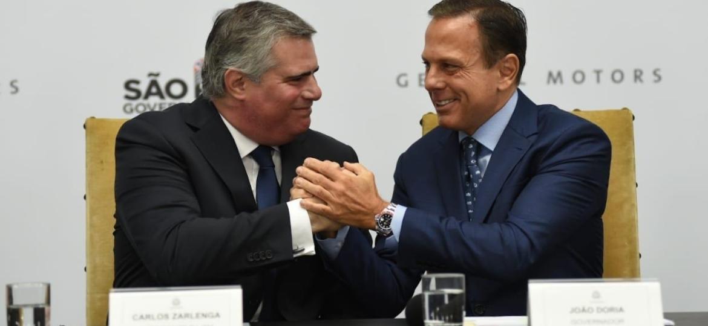 Zarlenga (à esquerda) criticou governo federal, sem citar nomes, mas fez elogios a Doria (à direita), governador de São Paulo - Divulgação/Governo de São Paulo