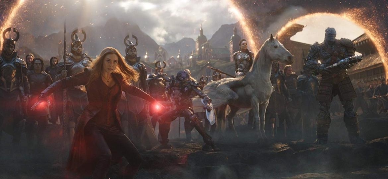 Feiticeira Escarlate (Elizabeth Olsen) e outros heróis se preparam para a ação em Vingadores: Ultimato - Reprodução