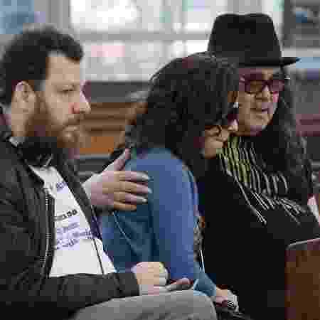 Moraes Moreira com Bebel Gilberto na missa de sétimo dia de João Gilberto - Wallace Barbosa/AgNews