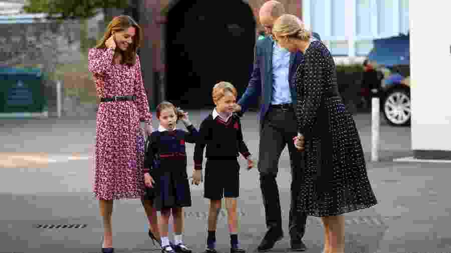 Charlotte chega acompanhada de família para primeiro dia de aulas - Aaron Chown/AFP
