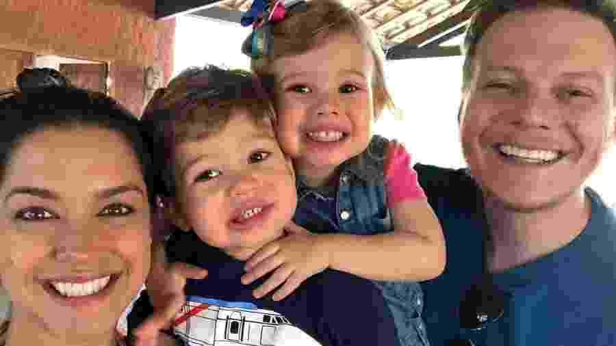 Thaís Fersoza e Teló comemoram o Dia das Crianças com os filhos Melinda e Teodoro - Reprodução/Instagram