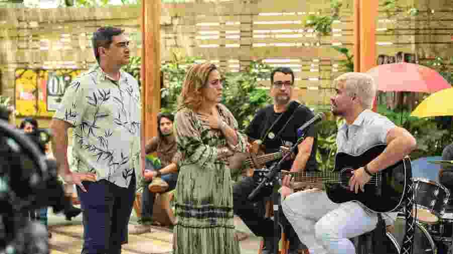 """Zeca Camargo, Cissa Guimarães e Thiago Martins na gravação de """"Amor de Mãe""""  - Victor Pollak TV Globo"""