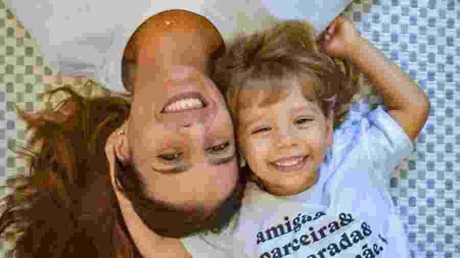 Natasha e o filho Joaquim inventaram brincadeiras durante a quarentena - Acervo pessoal