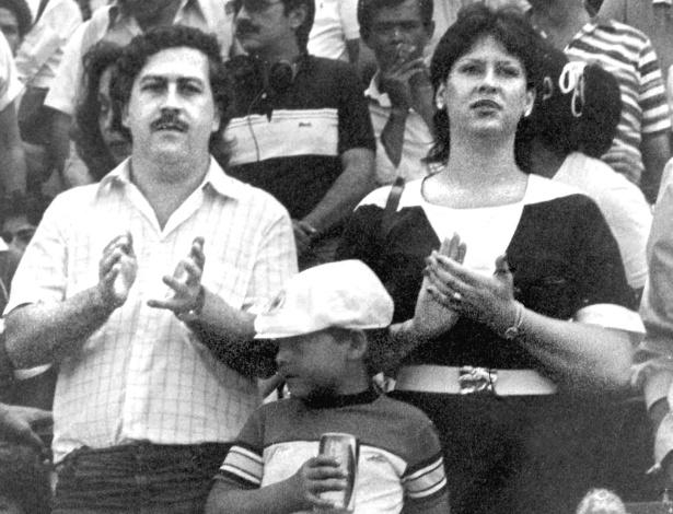 Pablo Escobar, sua mulher Victoria Eugenia Henau e o filho deles em foto sem data - AFP PHOTO/EL TIEMPO ORG
