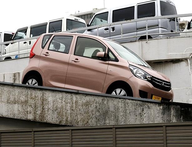 """""""Microperua"""" eK, também vendido como Nissan Dayz, é um dos modelos afetados - Toru Hanai/Reuters"""