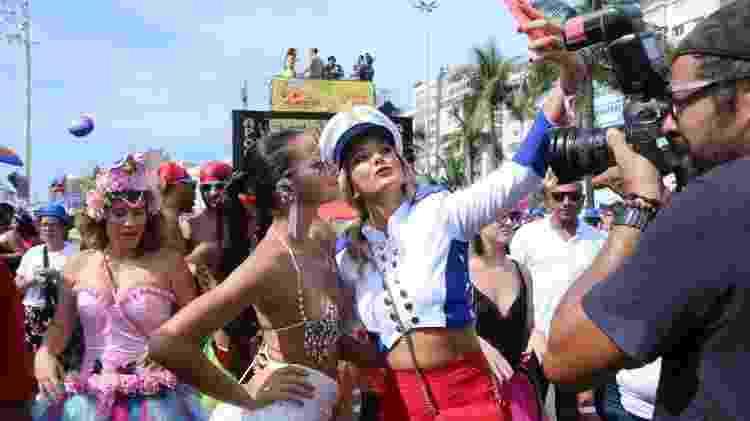 Bruna Marquezine e Ticiane Pinheiro no bloco da Favorita, no Rio - Daniel Pinheiro/AgNews  - Daniel Pinheiro/AgNews