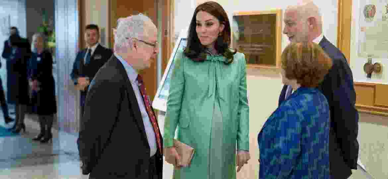Kate Middleton visitando a Royal Society of Medicine para um simpósio sobre saúde materna e infantil que organizou nesta quarta, 21 - Getty Images