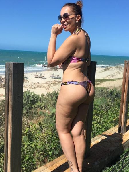 Solange Almeida posa de biquíni - Reprodução/Instagram/solalmeidaa