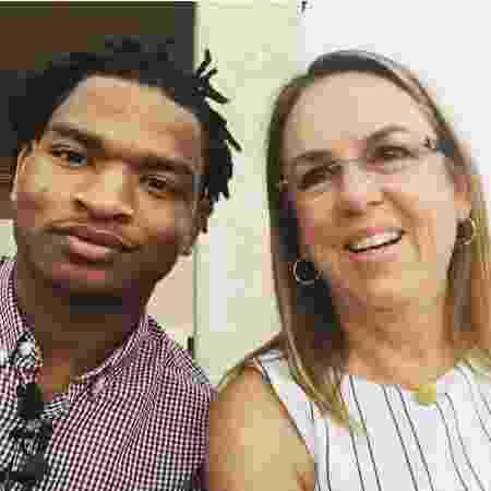 Jamal Hinton e Wanda Dench no jantar de Ação de Graças em 2016 - Reprodução/Twitter
