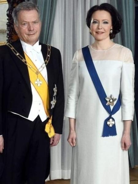 A primeira-dama finlandesa, Jenni Haukio, com um vestido feito de bétula reciclada - Reprodução