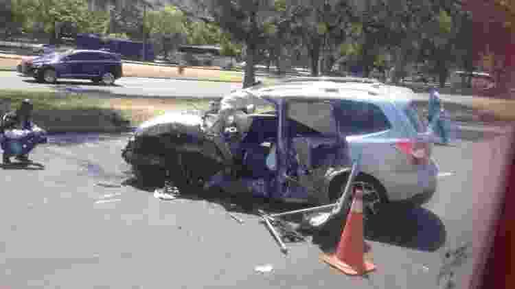 O acidente destruiu o carro do ator - Carolina Farias/UOL - Carolina Farias/UOL