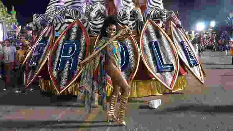 Dila Nascimento é musa da Pérola Negra, campeã do Grupo de Acesso em São Paulo - Paulo Pacheco/UOL - Paulo Pacheco/UOL