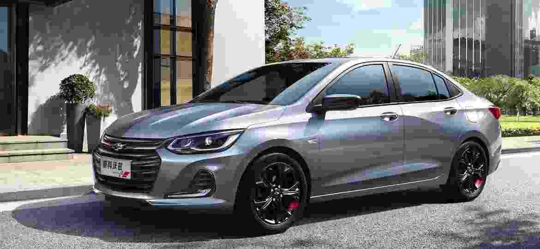 Há poucos dias, GM divulgou imagens oficiais do novo Onix Sedan em versão esportivada - Divulgação