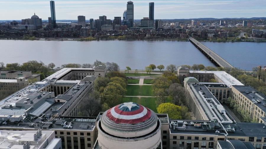 Imagem aérea do MIT - Raymond Huffman/Reprodução