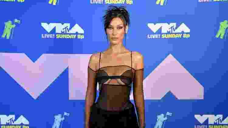 Bella Hadid no VMA - Jeff Kravitz/MTV VMAs 2020/Getty Images for MTV - Jeff Kravitz/MTV VMAs 2020/Getty Images for MTV