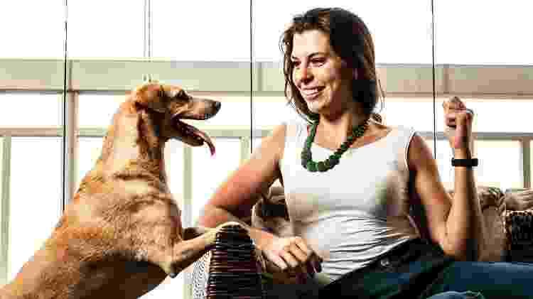 Flávia Cardozo gosta dos pets e está sempre com eles, mas é contra a humanização - bichos  - Fernando Moraes/UOL - Fernando Moraes/UOL