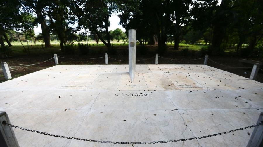Túmulo vazio de Juscelino Kubitschek, no cemitério Campo da Esperança, em Brasília - Marcelo Camargo/Agência Brasil