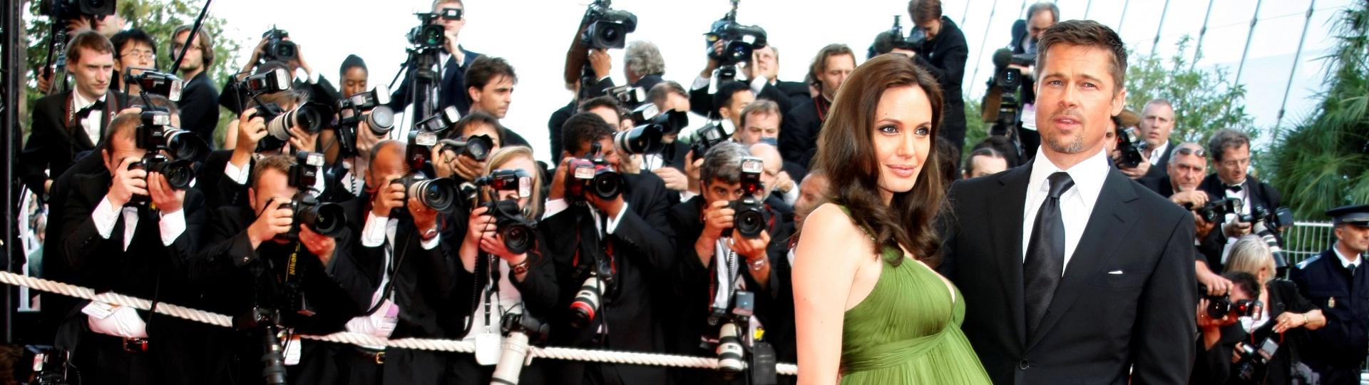 15.mai.2008 - Angelina Jolie e Brad Pitt juntos no tapete vermelho do Festival de Cannes de 2008. Angelina estava grávida dos gêmeos Knox Leon e Vivienne Marcheline
