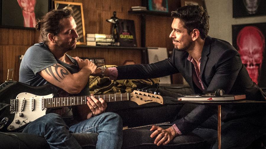 """Gui (Vladimir Brichta) e Lázaro (João Vicente de Castro) em """"Rock Story"""" - João Cotta/TV Globo"""