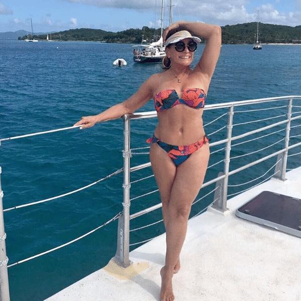 Susana Vieira colocou o corpão em jogo e mostrou que está em plena forma aos 74 anos em uma foto no Instagram na noite desta quarta-feira (21). A atriz está passando férias em Saint Thomas, uma ilha no Caribe
