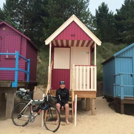 Sem grana para gastar, Michelle e o marido fizeram uma viagem de bicicleta pelos condados de Suffolk e Norfolk, na Inglaterra - Reprodução/Telegraph