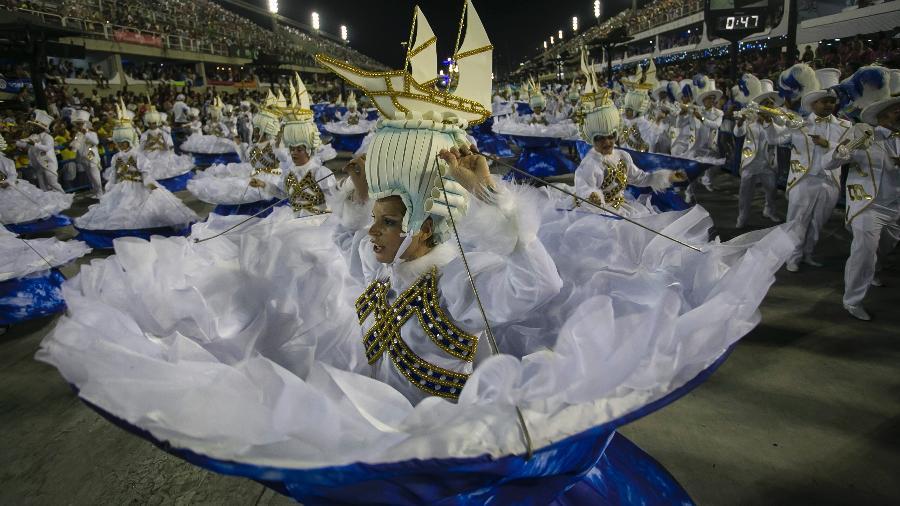Desfile da Portela, uma das campeãs no Carnaval do Rio este ano - Bruna Prado/UOL