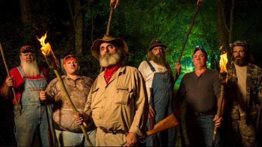 """Os """"destemidos"""" caçadores de """"Monstros da Montanha"""" (Discovery Theater) - Reprodução FB"""