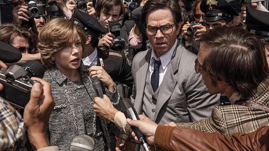 """Michelle Williams e Mark Wahlberg em cena de """"Todo o Dinheiro do Mundo"""" - Divulgação"""
