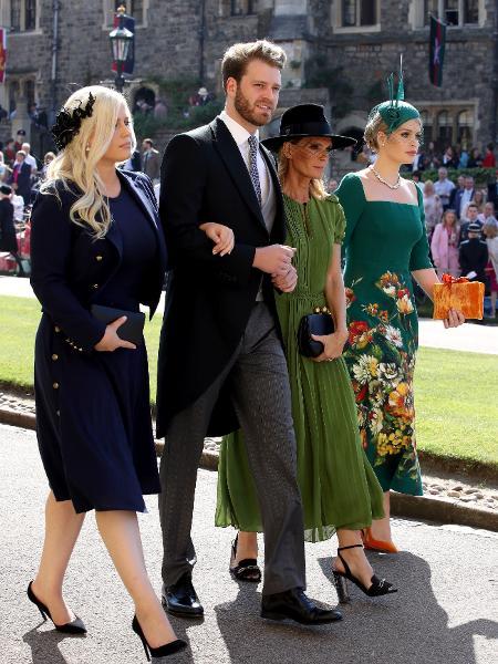Louis Spencer, sobrinho da princesa Diana, chega acompanhado das irmãs e da mãe ao casamento do príncipe Harry - Getty Images