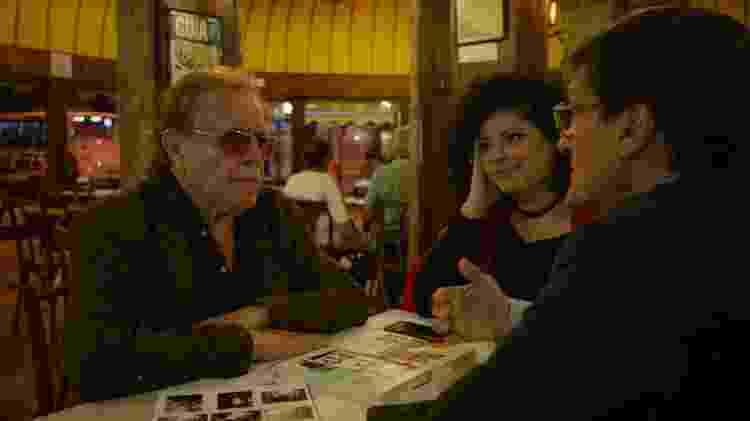 Otávio Terceiro, amigo de longa data de João Gilberto, em cena do documentário - Divulgação