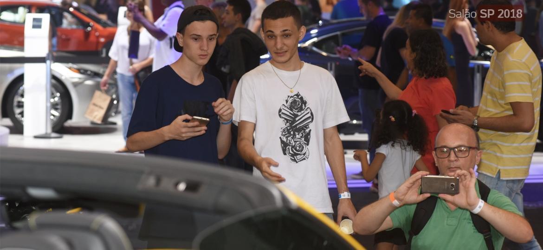Jovens até 25 anos também se interessam por automóveis, sim - Murilo Góes/UOL