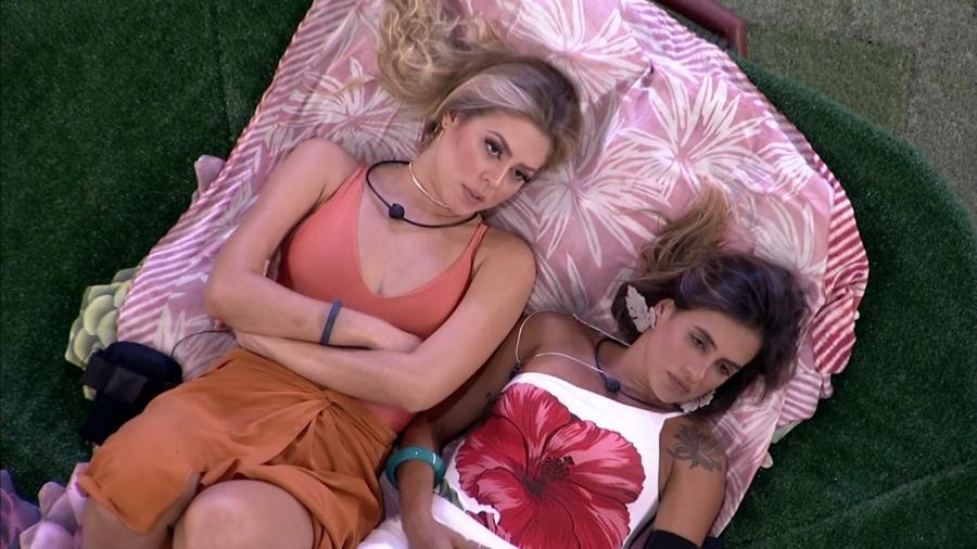 Isabella e Carolina conversam sobre justificativas de Elana em voto - Reprodução/GloboPlay