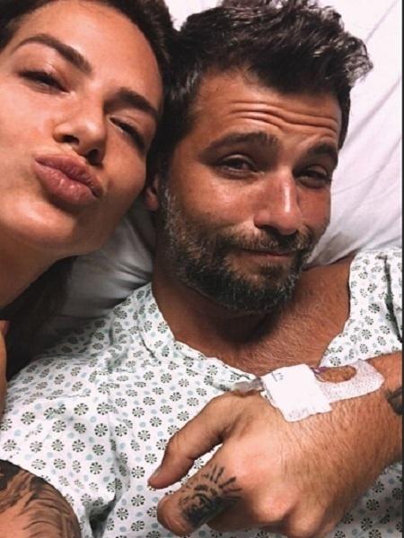 Bruno Gagliasso no hospital com Giovanna - Reprodução/Instagram
