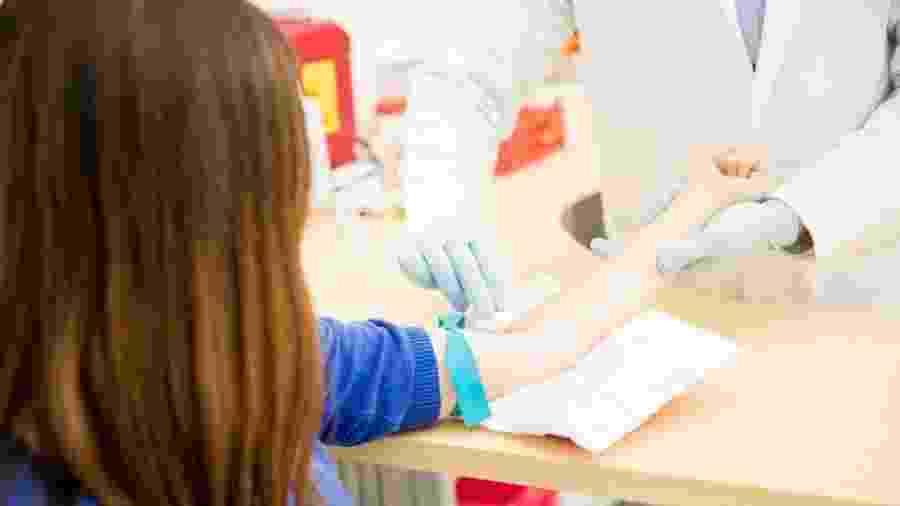 Muitos jovens acreditam ter contraído infecções sexualmente trasmissíveis mesmo sem ter vivenciado situação de risco - Getty Images