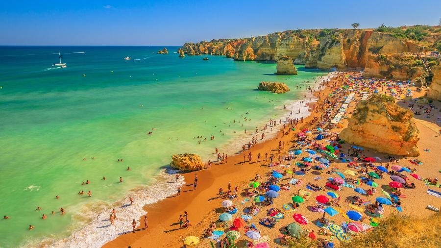 Algarve, um dos destinos favoritos de visitantes em Portugal - Getty Images