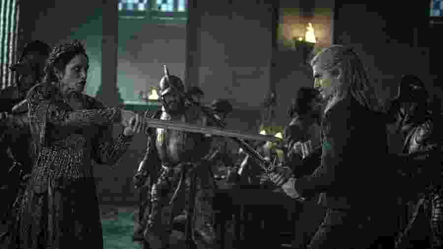 Jodhi May e Henry Cavill em cena da série The Witcher, na Netflix - Diuvlgação/Netflix